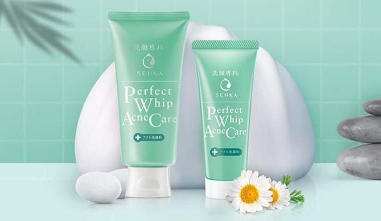 Sữa rửa mặt giảm mụn Senka Perfect Whip Acne Care
